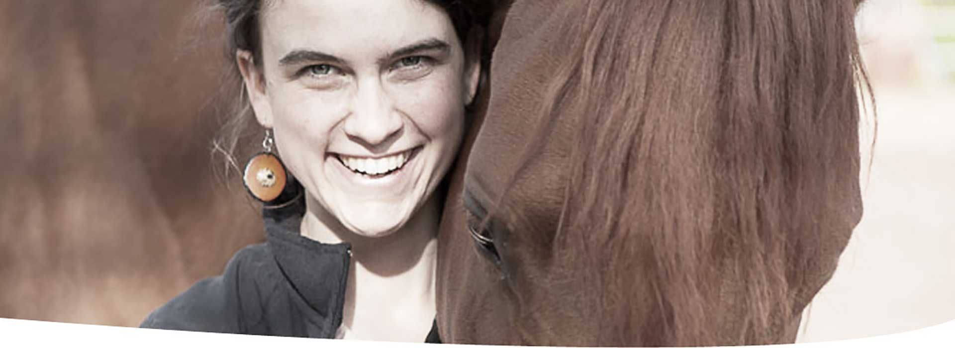 Reitlehrerin-Pferdetrainerin-Bodenarbeit-Pferd-Trainer-Carlita-Picard